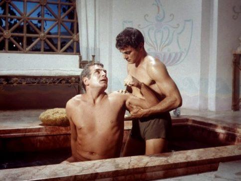 spartacus-bath-scene
