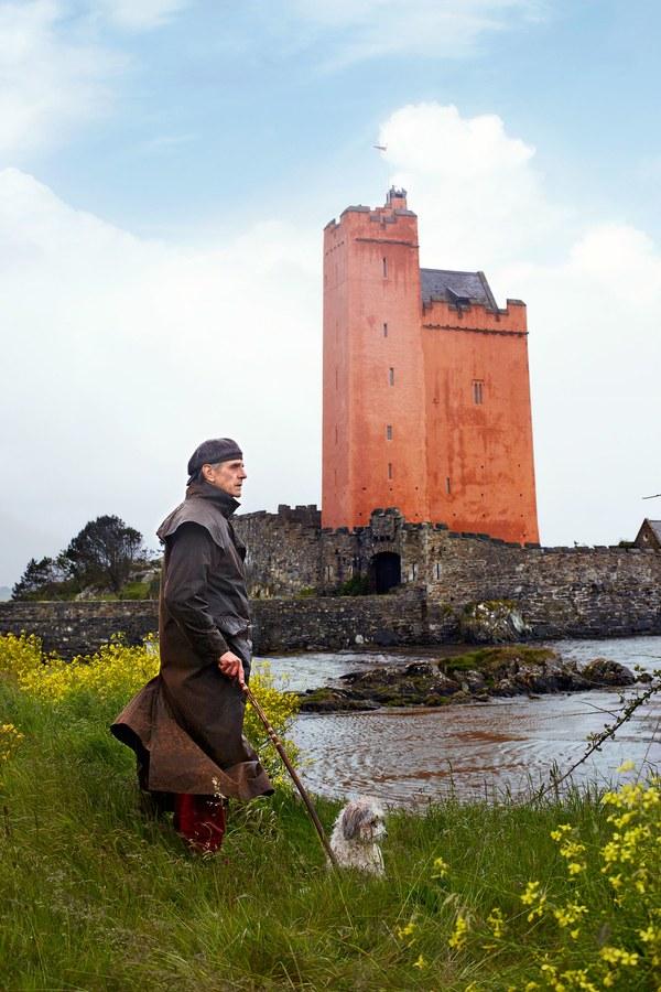 kilcoe-castle-jeremy-irons-ss27