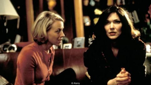 The shifting relationship between Betty (Naomi Watts) and Rita (Laura Harring) is at the heart of Mulholland Drive (Credit: Alamy)